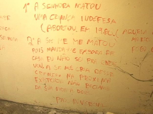 Mensagens deixadas na parede