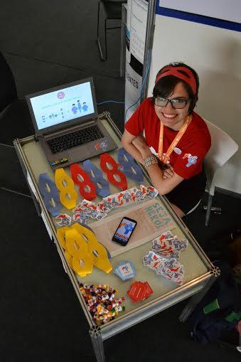 Tatiana Lourenço tem 21 anos, é estudante de Publicidade e Propaganda, diretora de uma empresa de designer e gestora da startup PonksToy. (FOTO: Arquivo Pessoal)