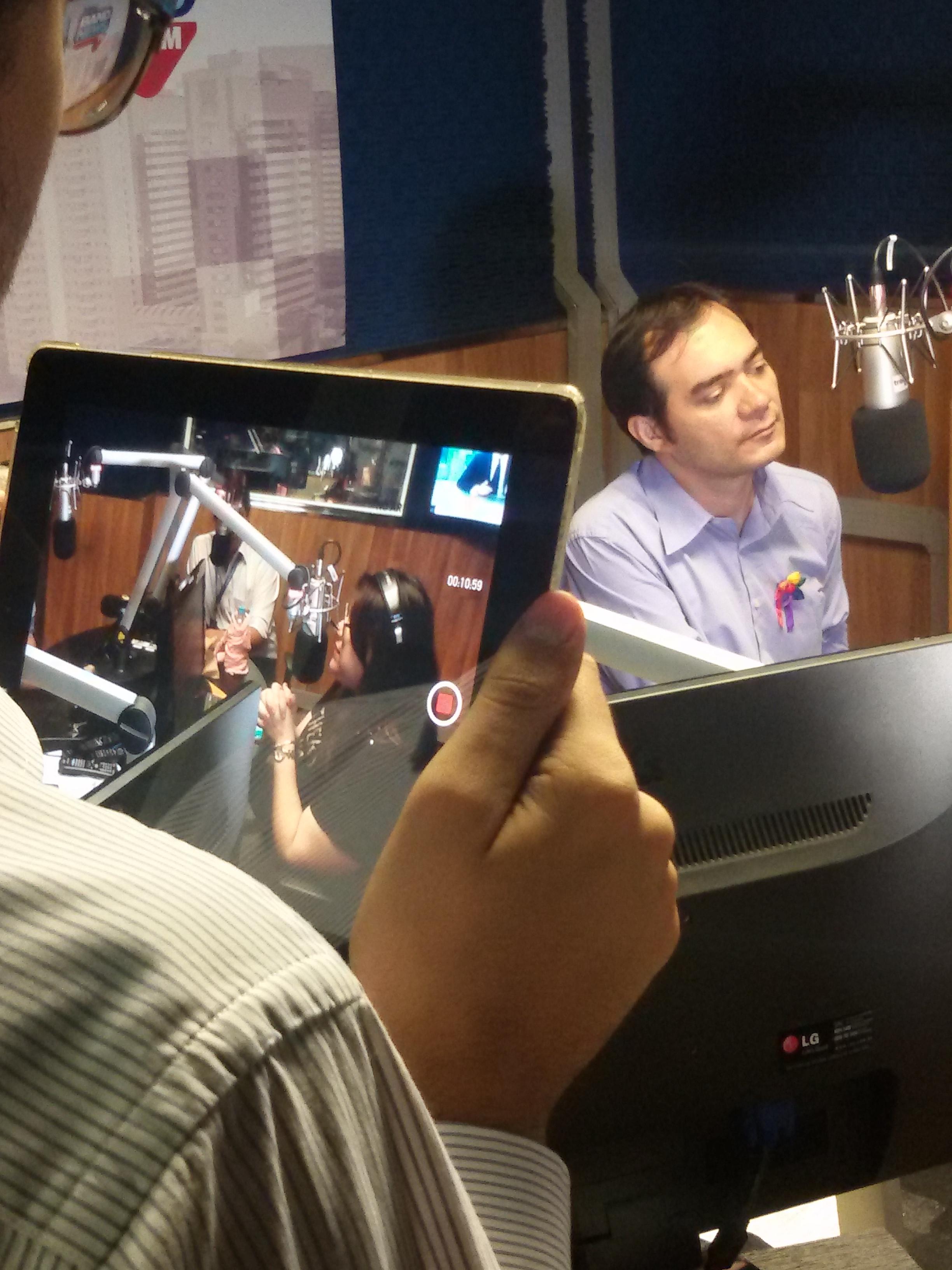 Ailton Lopes compara Cid Gomes a Obama e critica licença do governador