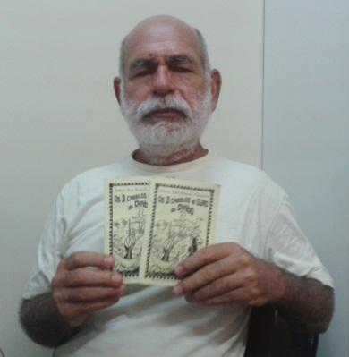 José Rômulo Mesquita trabalha como produtor musical mas se diverte criando cordeis. (FOTO: Tribuna do Ceará/ Rosana Romão)