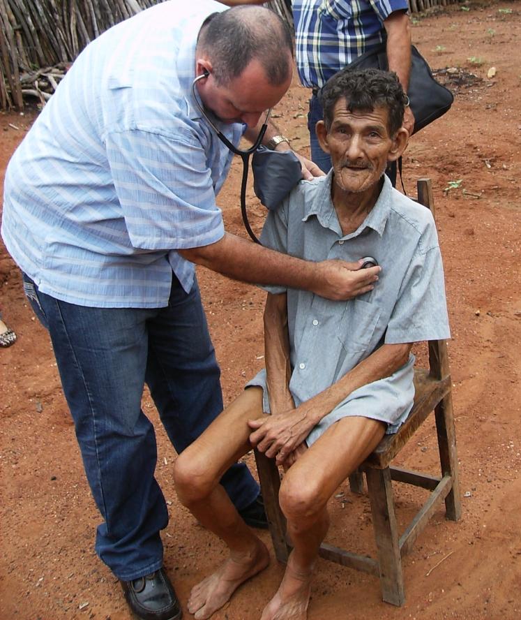 Isidro Rosales tem ainda dois anos de trabalho em Reriutaba (FOTO: Arquivo pessoal/Isidro Rosales)