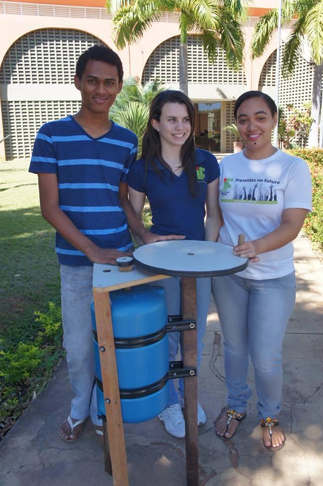Antes do experimento dos alunos, o reator mais barato do mercado custava R$ 3 mil (FOTO: Arquivo pessoal/Ricardo Fonseca)