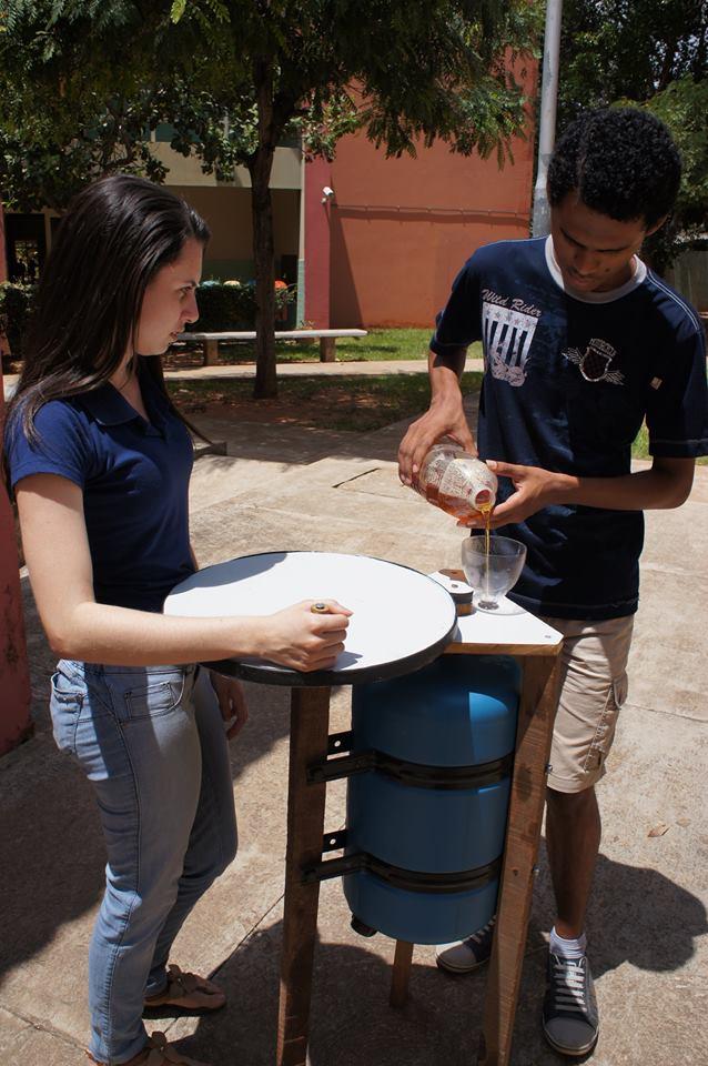 Estudantes criam reator de biodiesel