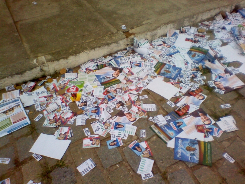 A rigidez na legislação dificultou a produção de santinhos e panfletos (FOTO: Flickr/Creative Commons/Paulo Marcos)