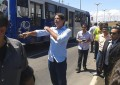 Presença do governador chamou a atenção de pessoas que passavam pelo local (FOTO: TV Jangadeiro)