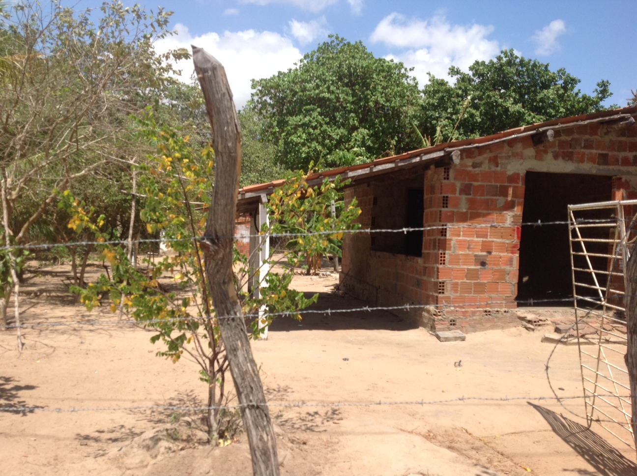 A comunidade dos Índios Tapebas ainda possui casas mais simples (FOTO: Lucas Catrib)