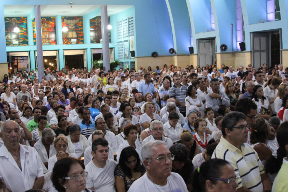 Igreja de Fátima reúne muitos fiéis no dia 13 de cada mês (FOTO: Igreja de Fátima)