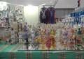 Entre os frascos de perfume, uma lâmpada mágica da Tunísia está a venda (FOTO: Hayanne Narlla/ Tribuna do Ceará)