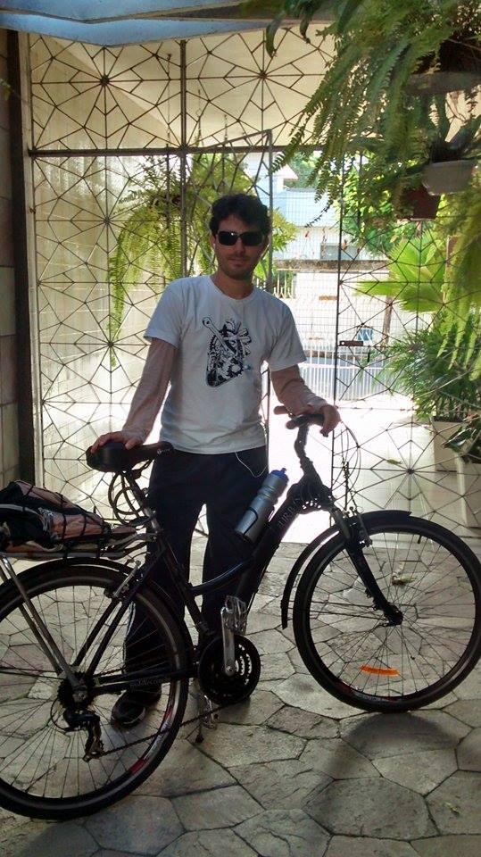 Phelipe Baray utiliza a bicicleta diariamente, há mais de um ano (Foto: Arquivo Pessoal)