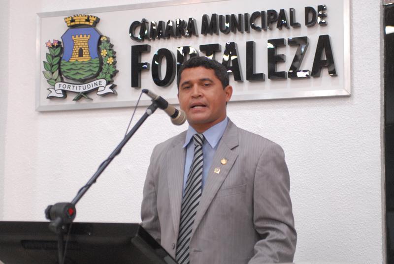 Após ser preso por lavagem de dinheiro, dentre outros crimes, A Onde É é solto (FOTO: Câmara Municipal De Fortaleza)