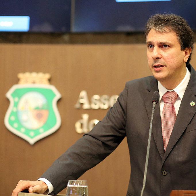 Assembleia Legislativa desconta salário de Camilo Santana por faltas no trabalho