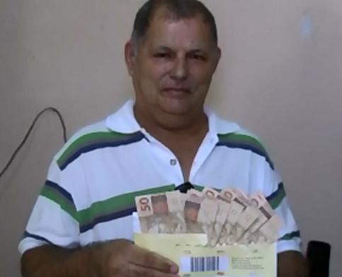 Pedro passou meses economizando para repor todo o dinheiro encontrado (FOTO: Reprodução/TV Jangadeiro)