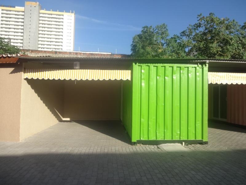 Entre cada container, há uma suíte (FOTO: Hayanne Narlla/ Tribuna do Ceará)