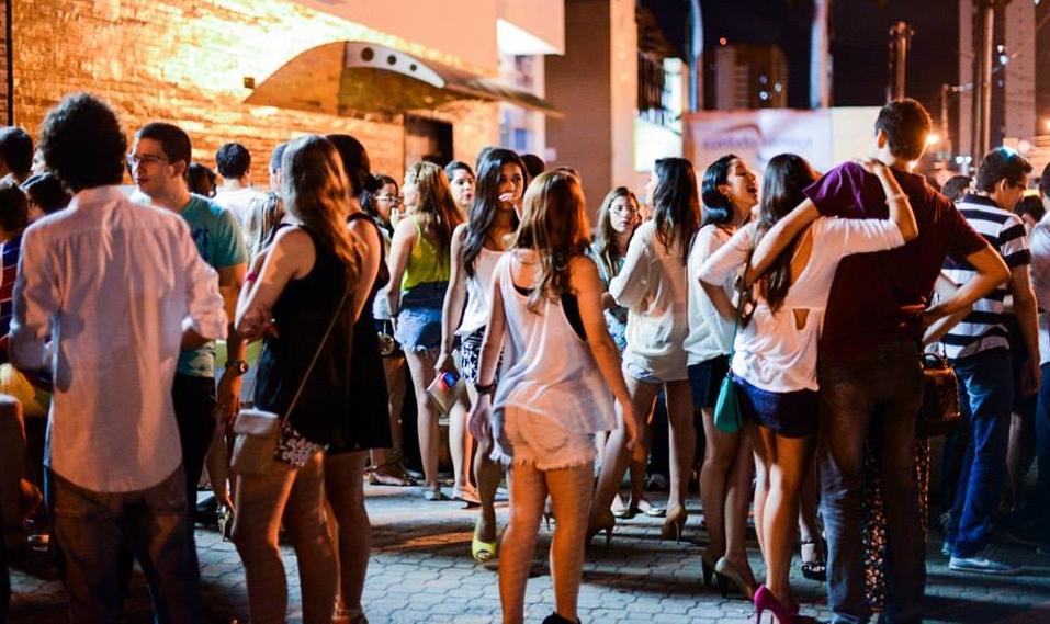 Ceará tem mais mulheres que homens (FOTO: Reprodução Facebook 5inco Shot Bar)