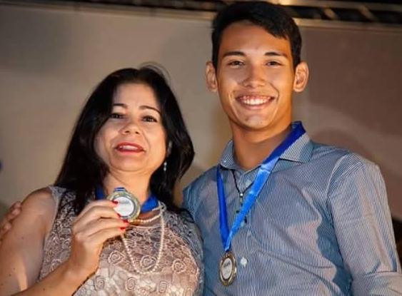 Estudante Iury Vasconcelos passou por diversas etapas até chegar à grande final (FOTO: Arquivo pessoal)