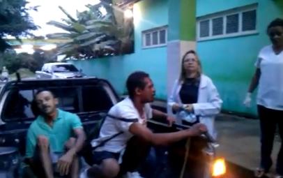 Vítimas estavam feridas e, mesmo assim, não receberam atendimento médico em Hospital de Palmácia (FOTO: Reprodução)