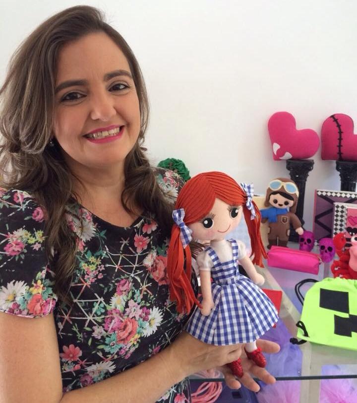 Danielle resolveu transformar o hobby em fonte de renda (FOTO: Arquivo pessoal)