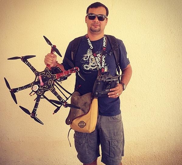 O cearense Luiz Lima produz os próprios drones para produzir vídeos no estado (FOTO: Arquivo pessoal)