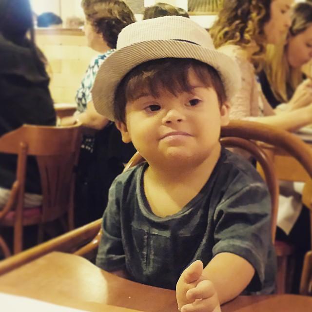 Mateus tem um cromossomo a mais e faz sucesso na internet (FOTO: Reprodução/Instagram)