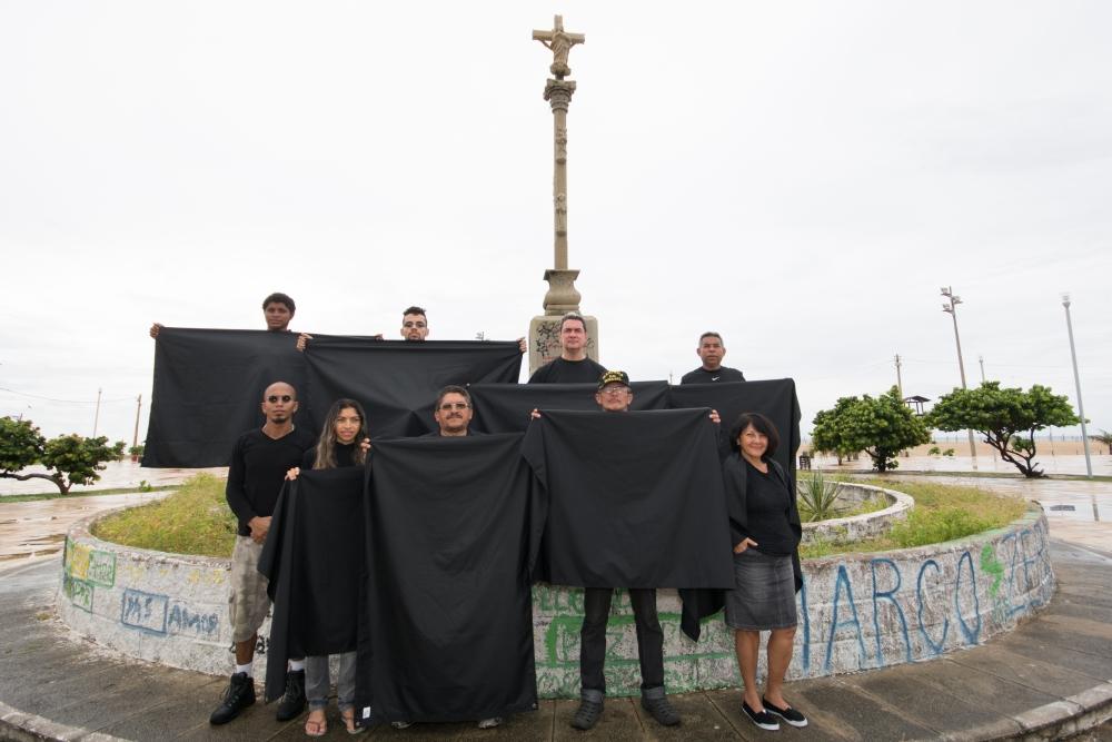 Marco Zero da Barra do Ceará recebeu protesto contra data oficial do aniversário de Fortaleza (FOTO: André Martins)