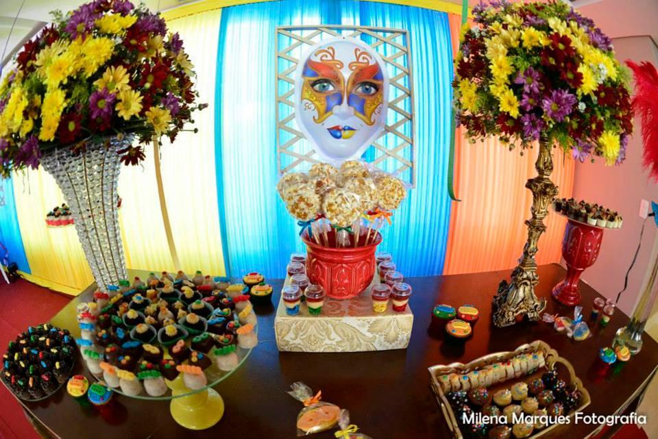 Festas temáticas são mania entre crianças e adultos (FOTO: Reprodução Facebook)