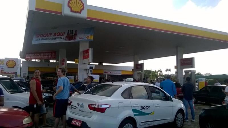 Objetivo da venda da gasolina nesse valor é de chamar atenção para a alta carga tributária (FOTO: Edson Nascimento/TV Jangadeiro)