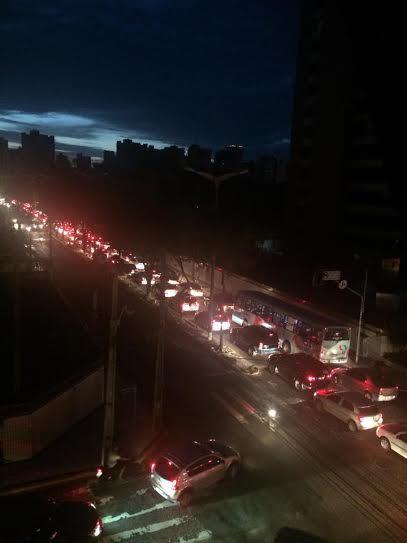 Mais um apagão é registrado em Fortaleza (FOTO: Natasha Oliveira)