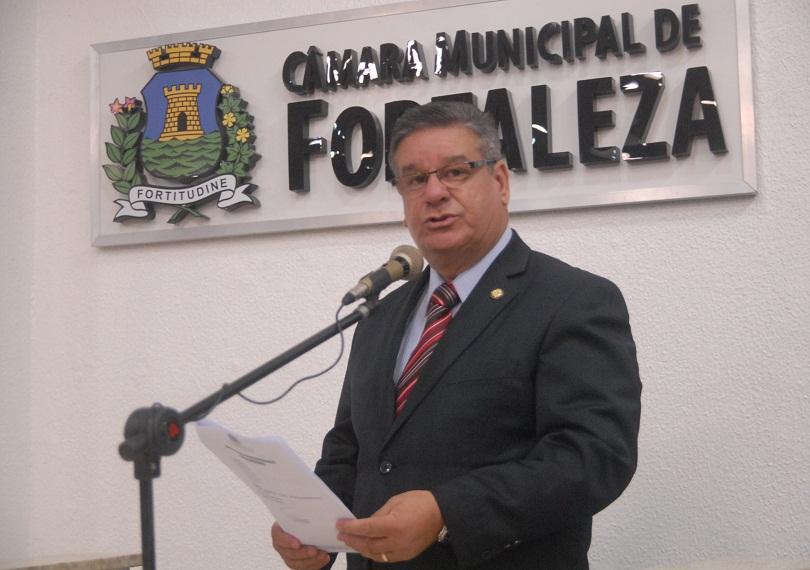 Segundo o vereador Carlos Dutra (Pros), a orientação sexual deve ser dada pelos pais, não sendo o papel das escolas. (FOTO: Divulgação)