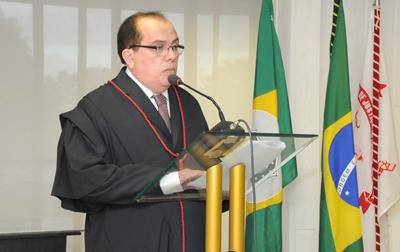 Foi determinado o afastamento e a busca e apreensão de documentos no gabinete do desembargador (FOTO: Divulgação/TJCE)