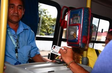 Segundo o Sindiônibus, aconteceu um problema no sistema, mas foi repassado aos cobradores a recomendação de aceitar a meia passagem (Foto: Prefeitura de Fortaleza)