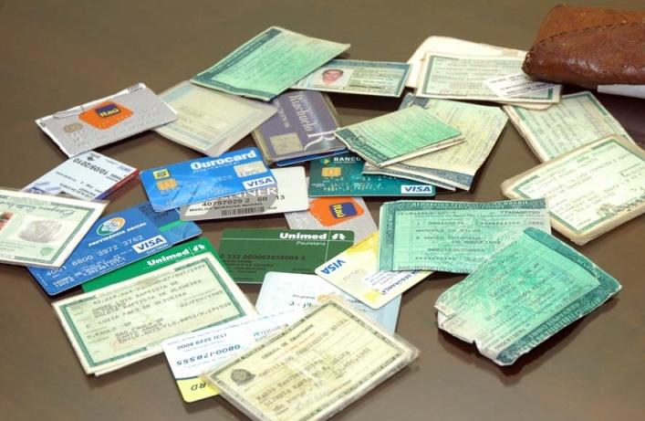 Seja por roubo, furto ou esquecimento, você deve tomar providências ao perder os documentos (FOTO: Divulgação)