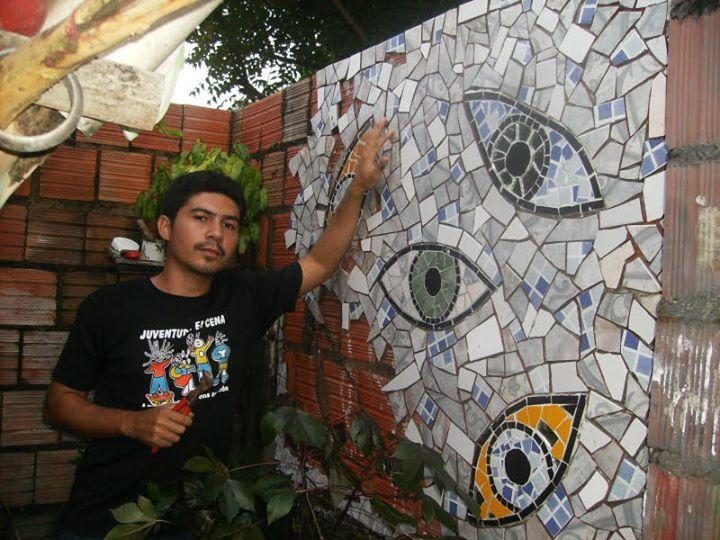 Edson Felipe teve a vida transformada após fazer um curso sobre mosaicos. (FOTO: Arquivo Pessoal)