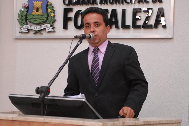 Além disso, ele é acusado de improbidade administrativa, quebra de decoro parlamentar e corrupção. (FOTO: Câmara de Vereadores de Fortaleza/ Genilson de Lima)