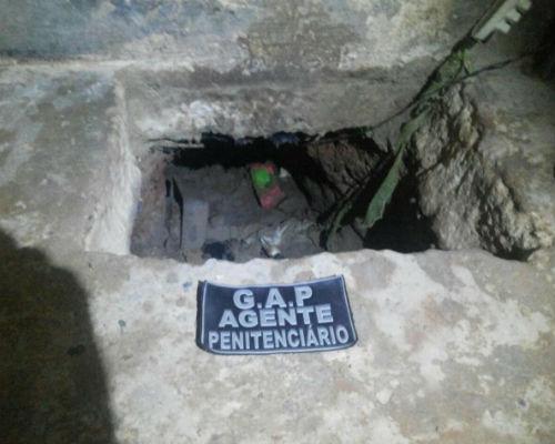 O túnel foi descoberto por agentes penitenciários (Foto: Divulgação)