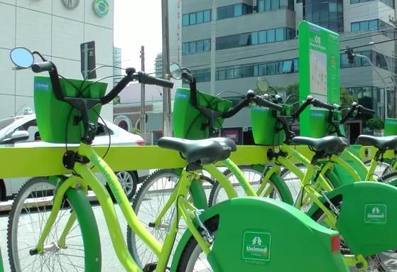 Fortaleza tem 40 estações de bicicletas, totalizando 400 equipamentos (FOTO: Divulgação)