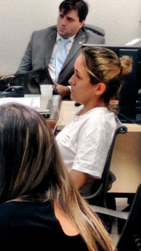 Cristiane esteve presente na audiência e presenciou depoimentos (FOTO: Anselmo Silvio/ TV Jangadeiro)