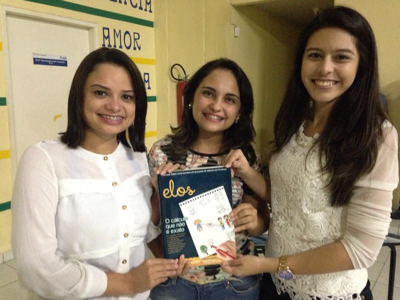 Juliana Marques, Priscila Macêdo e Thays Naliny publicaram uma revista que trata da adoção (FOTO: Arquivo pessoal)