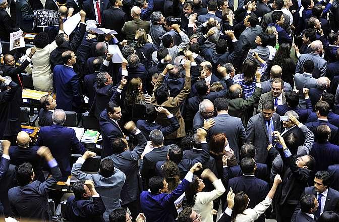 Agora, os deputados votarão a PEC original que propõe a redução da maioridade penal em todos os tipos de crime (Foto: Luis Macedo/Câmara dos Deputados)