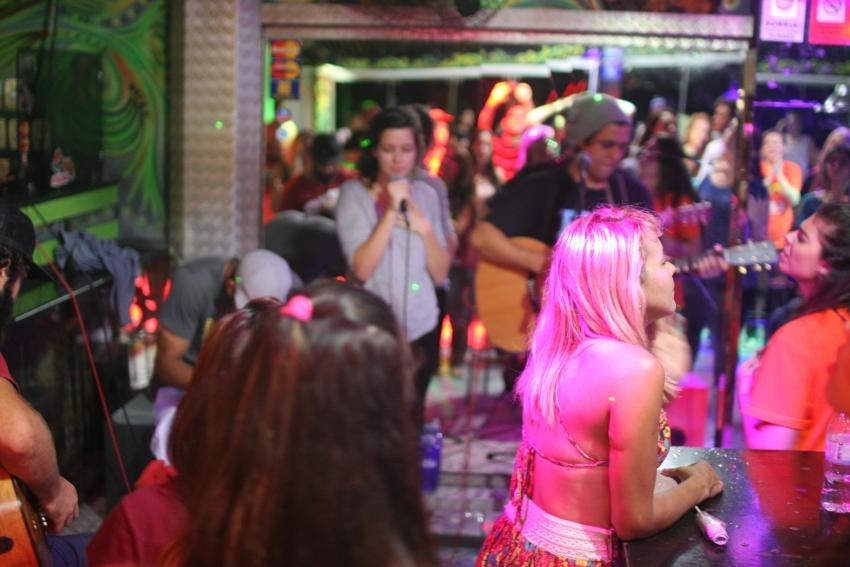 O culto foi realizado no início de julho, em uma boate na Praia de Iracema (FOTO: Iris Fortaleza/ Divulgação)