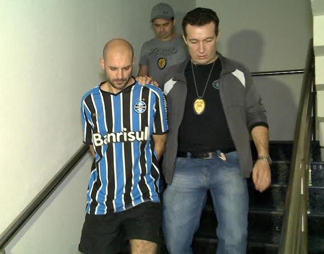 Marcelo Barberena foi autuado em flagrante, por homicídio doloso triplamente qualificado. (FOTO: Reprodução/ TV Jangadeiro)