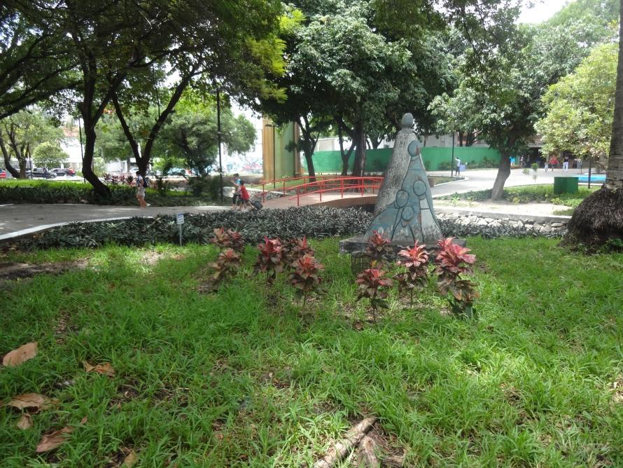 Parque Pajeú foi inaugurado em 1982, entre a Avenida Dom Manuel e a Rua 25 de Março (FOTO: Roberta Tavares/Tribuna do Ceará)