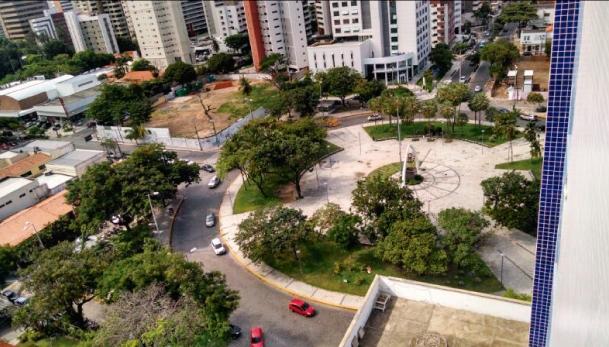 Rotatória da Praça Portugal será substituída por cruzamento e quatro mini-praças (FOTO: Adriano Macedo)