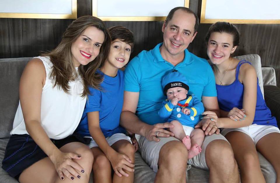 762f3ddf42b61 Para Paulo Vieira seu casamento foi um divisor de águas e estar com a  família é