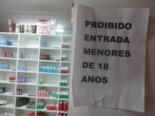 Único sex shop em terminal de ônibus em Fortaleza atrai curiosidade de usuários