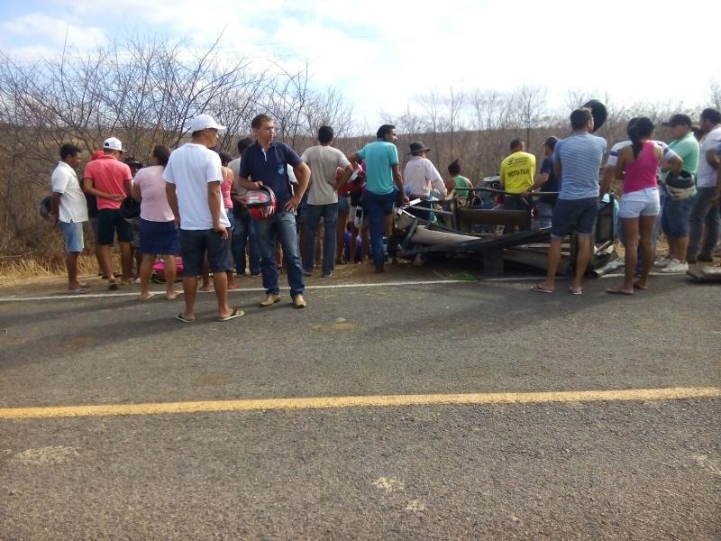 Capotamento deixa uma criança morta e outras feridas (FOTO: Mira da Notícia)