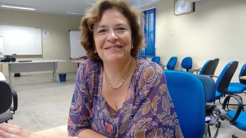 Cristina Ponte é pesquisadora em Lisboa e comparou resultados da Europa com o Brasil (FOTO: Hayanne Narlla/ Tribuna do Ceará)