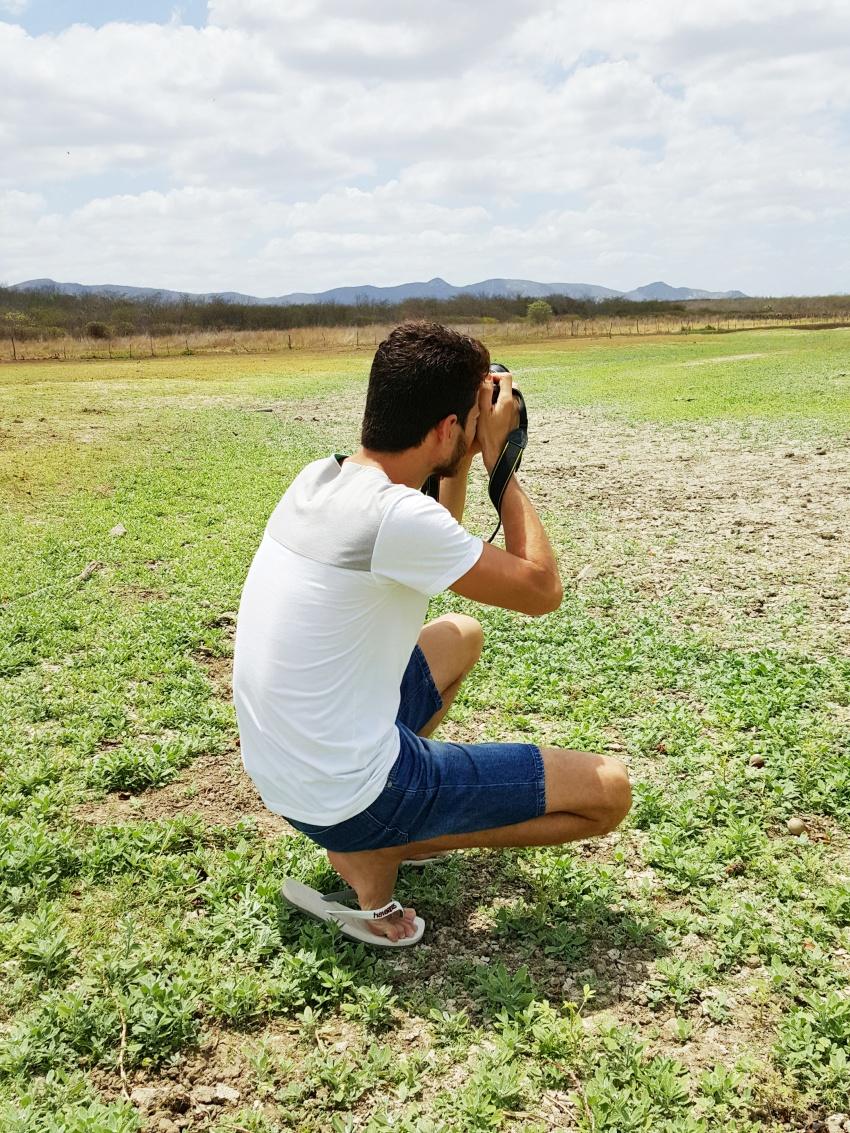 Cearense cria montagens divertidas com fotos à procura da nuvem perfeita