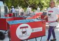 Eles receberam carrinhos de lanche doados pelo programa Vivendo e Empreendendo (Foto: Governo do Estado do Ceará/Reprodução)