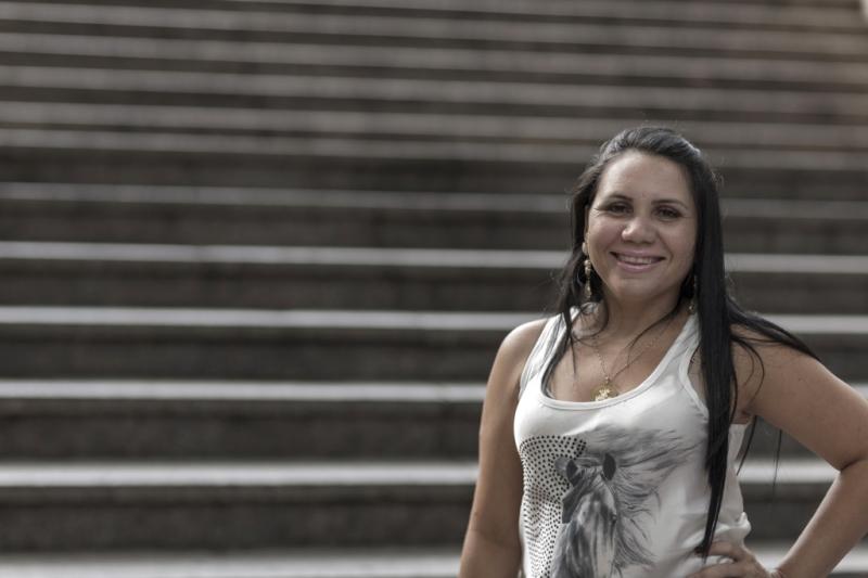 Angélica começou atendendo clientes em um quarto e hoje tem três salões (FOTO: Citibank/ Divulgação)
