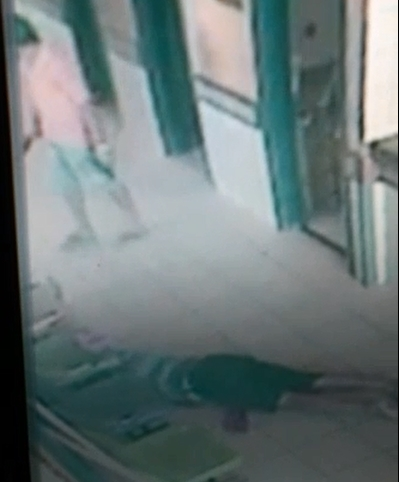 Câmera de segurança flagrou ação (FOTO: Reprodução)